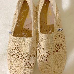 Toms cream shoes